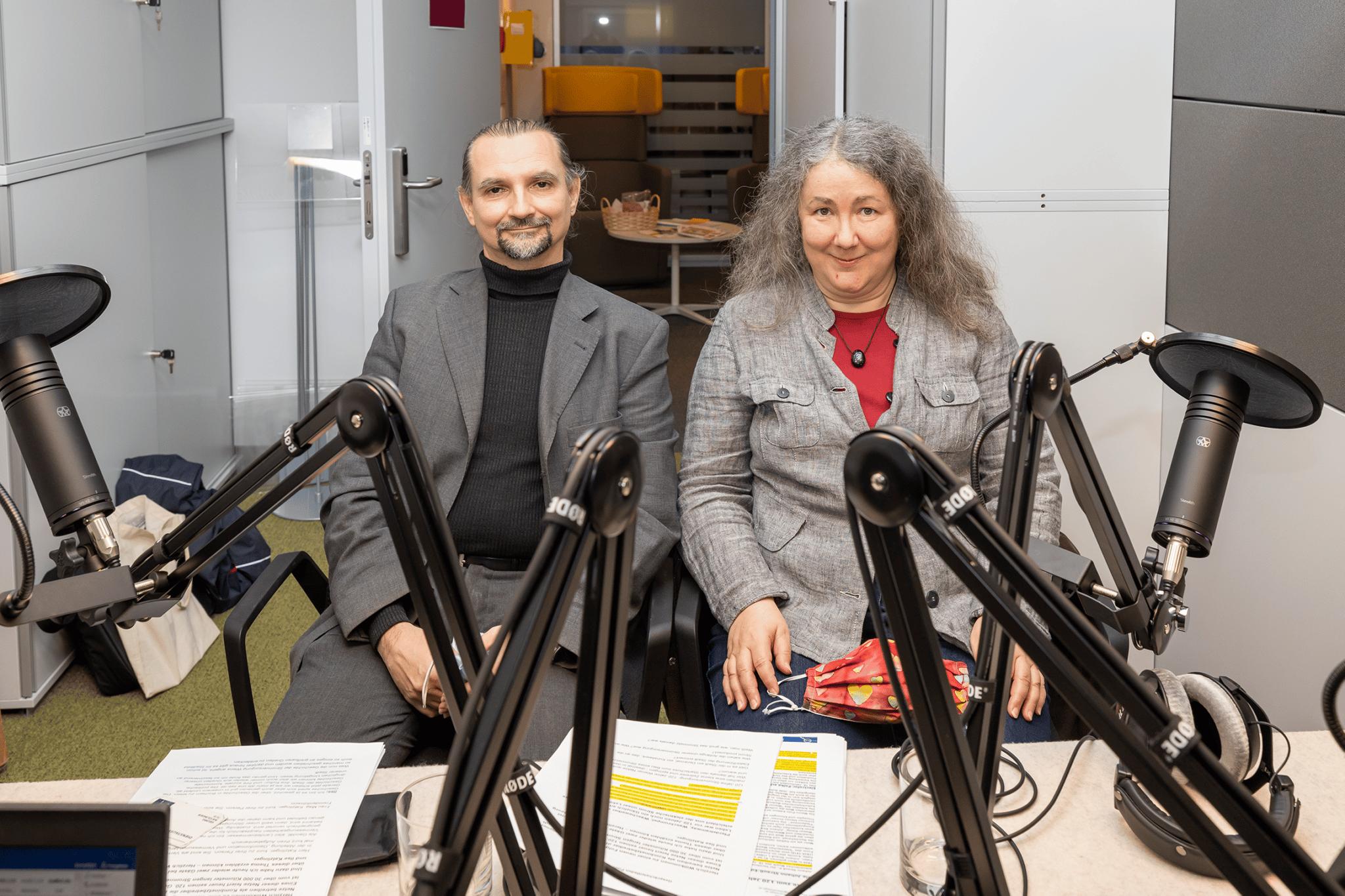 Ilse und Georg Katzlinger im Podcast-Studio